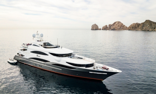 Why are American yachts of higher quality?