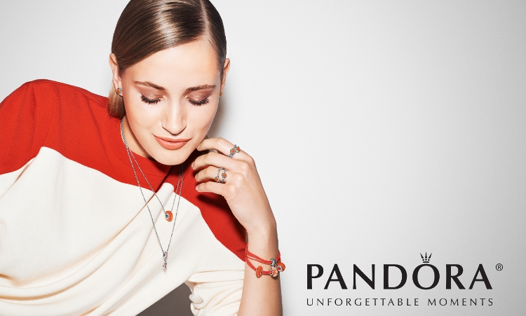 The Pandora Jewelry Fashion Experience